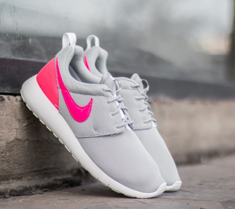 881783c0e5f49 Nike Roshe One (GS) Wolf Grey  Hyper Pink-Clear Grey-White ...