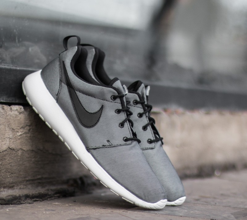 3f1cdf8114af Nike Roshe One Premium Black  White- Wolf Grey