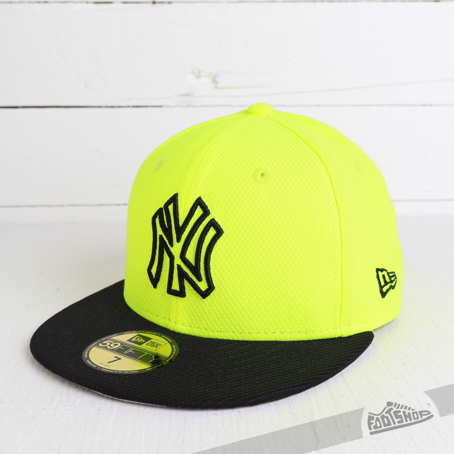 New Era 59Fifty Diamond Basic New York Yankees Yellow Black Fitted Cap  49d25c91e3d