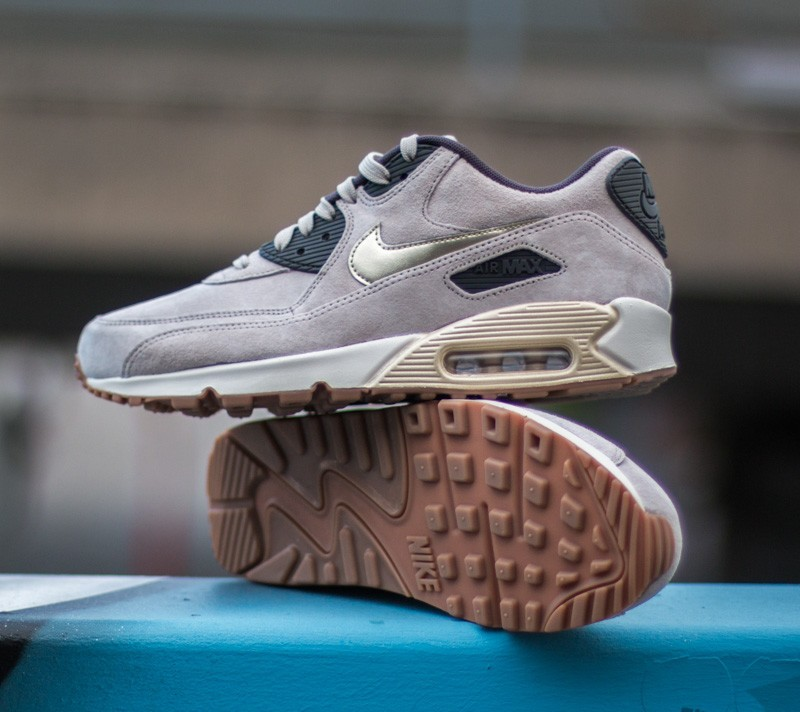 Nike Air Max 90 Premium Suede String Metallic Gold Grain