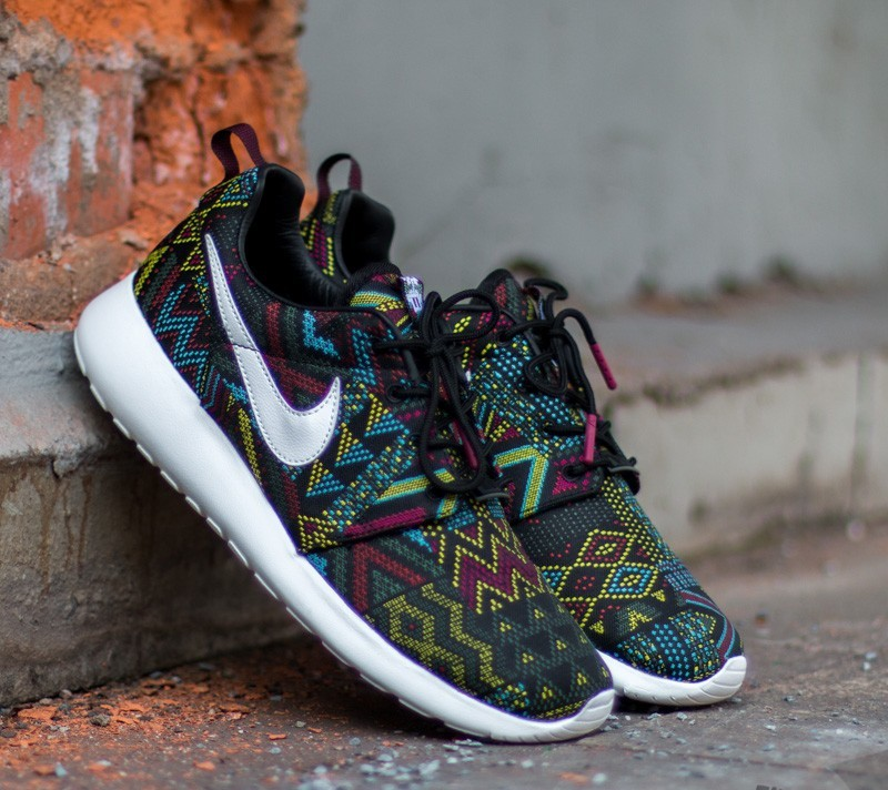 low priced 9e75b eb4b6 Nike W Roshe One JCRD BHM QS Black  Summit White-Noble Red