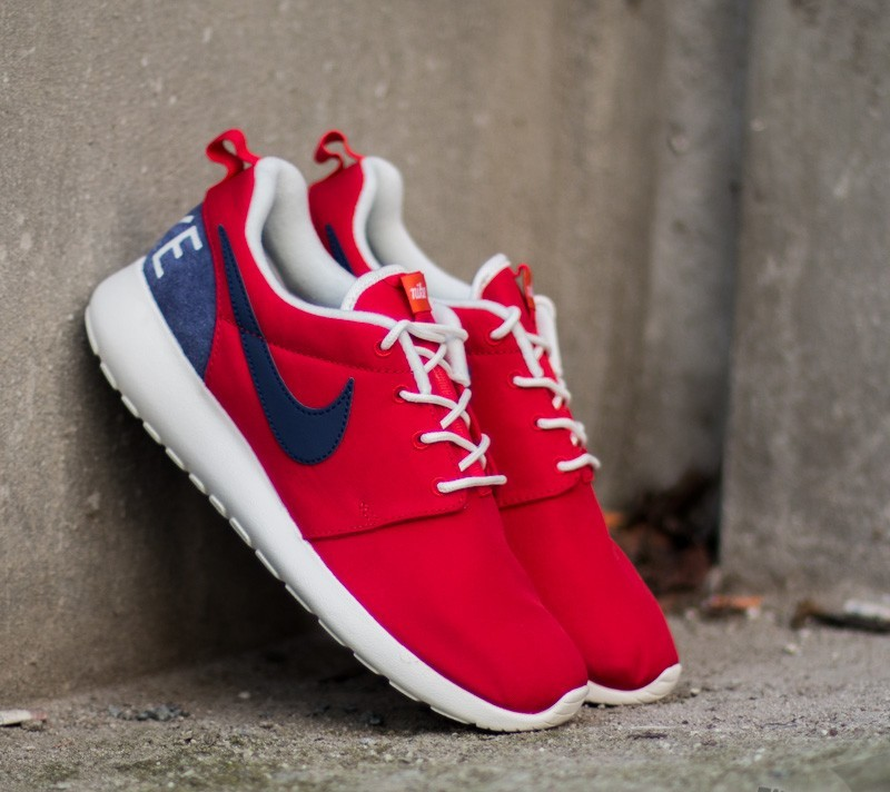 729e6754f0c2 Nike Roshe One Retro University Red Loyal Blue-Sail