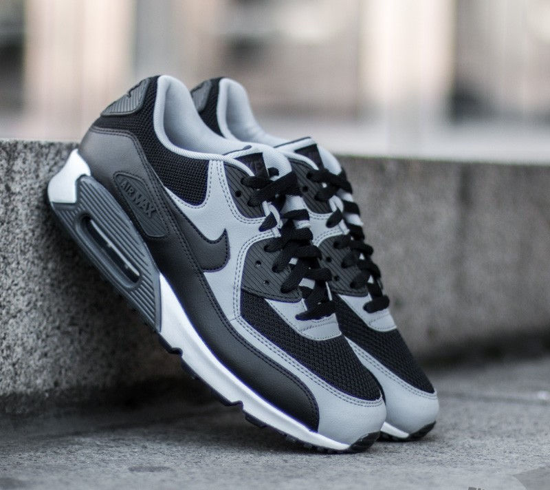 outlet store c2b2f 2e8a4 Nike Air Max 90 Essential. Black  Black-Wolf Grey-Anthracite