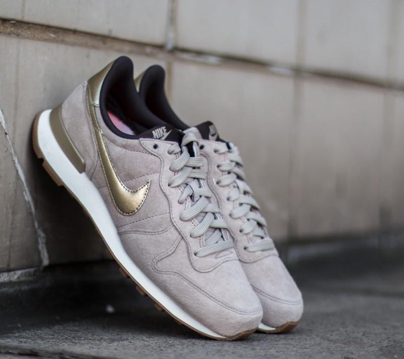 Nike W Internationalist Premium Suede String/Metallic Gold Grain ...