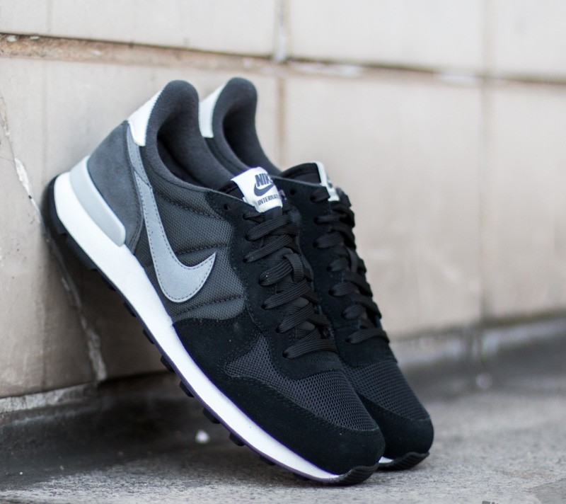 best service c6ea7 3a3ce Nike Wmns Internationalist Black Cool Grey Anthracite