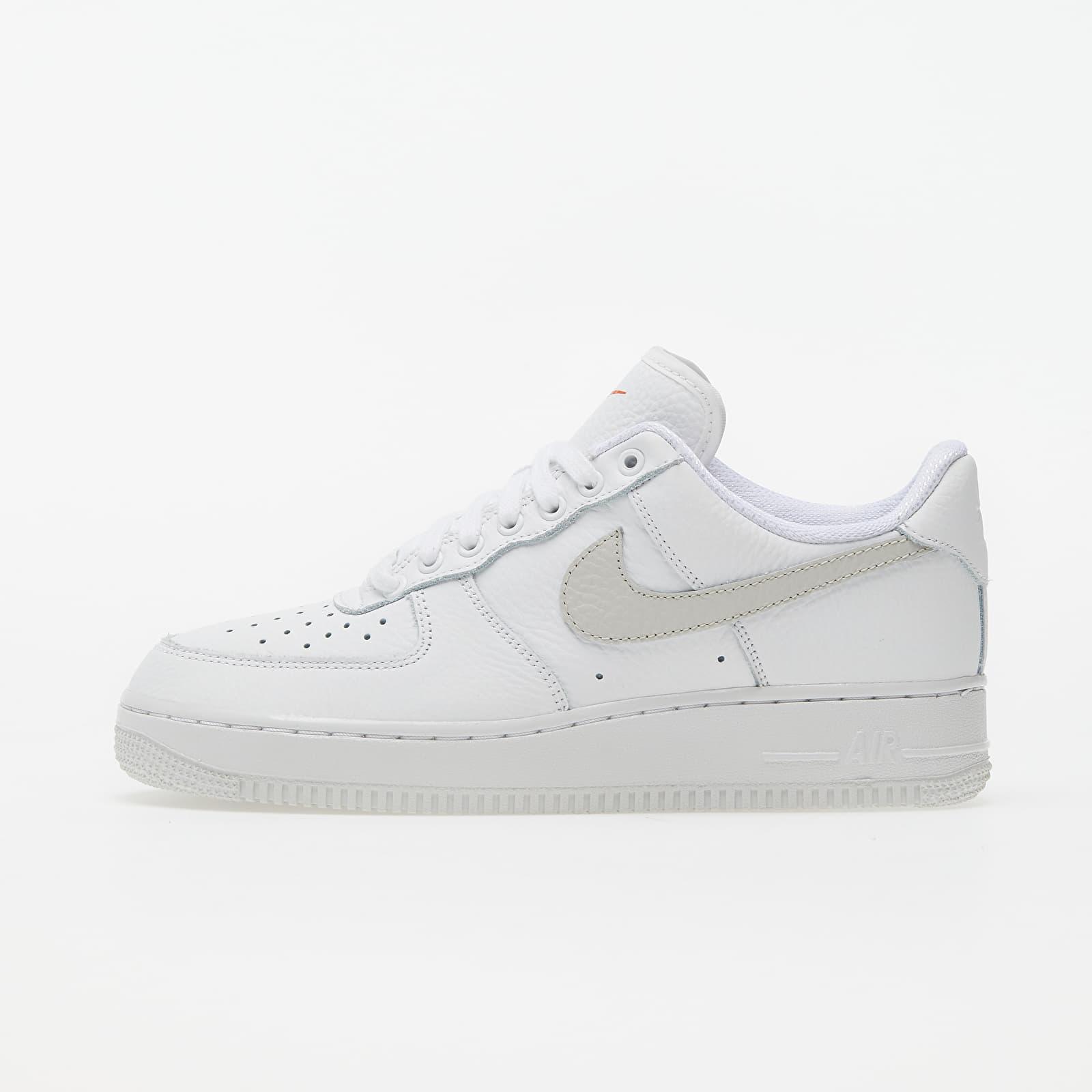 Încălțăminte și sneakerși pentru femei Nike Wmns Air Force 1 '07 Summit White/ White-Solar Flare-Starfish