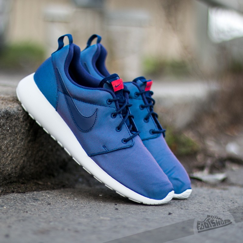 Nike Roshe One Premium Loyal Blue Blue University Red | Footshop