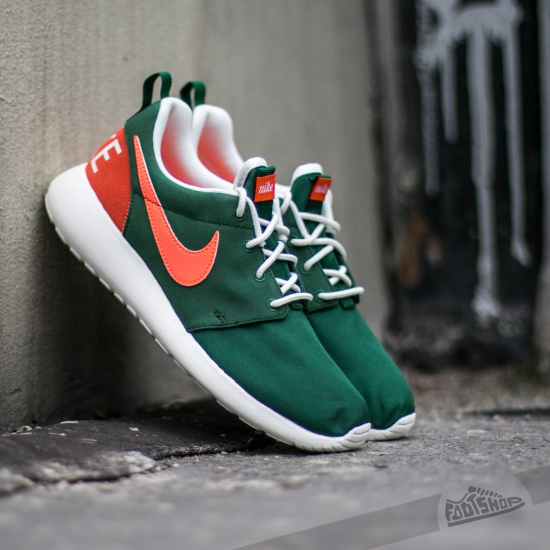 buy popular 365fa 4a281 Wmns Nike Roshe One Retro Gorge Green Bright Mango