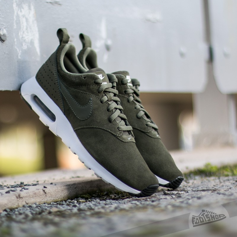 more photos 8c0d1 29f79 Nike Air Max Tavas Leather Cargo KhakiMedium Olive-White