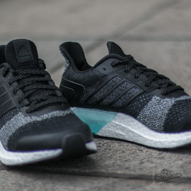 adidas Ultra Boost ST Glow W Black/ White | Footshop