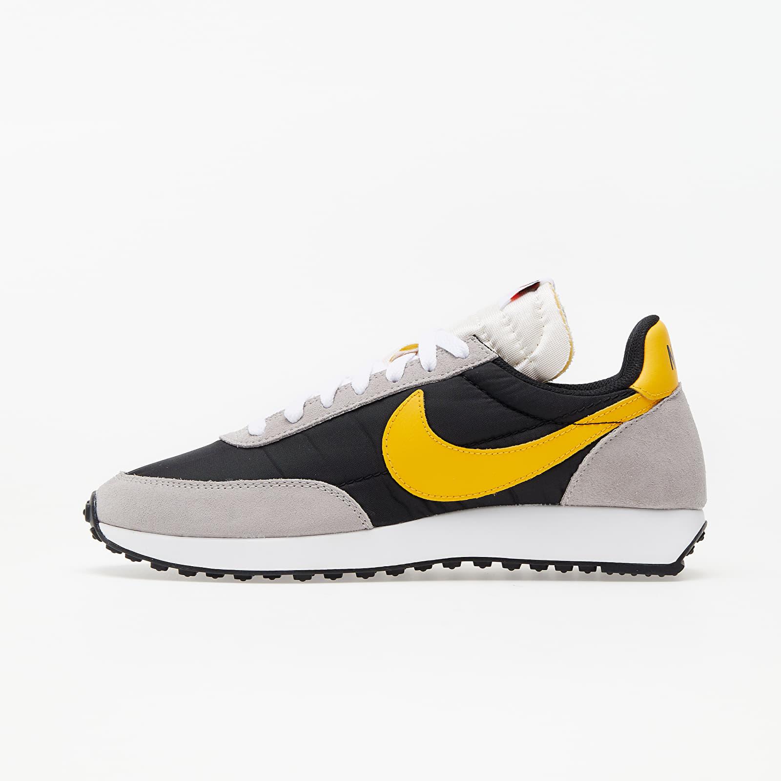 Încălțăminte și sneakerși pentru bărbați Nike Air Tailwind 79 Black/ University Gold-College Grey-Sail