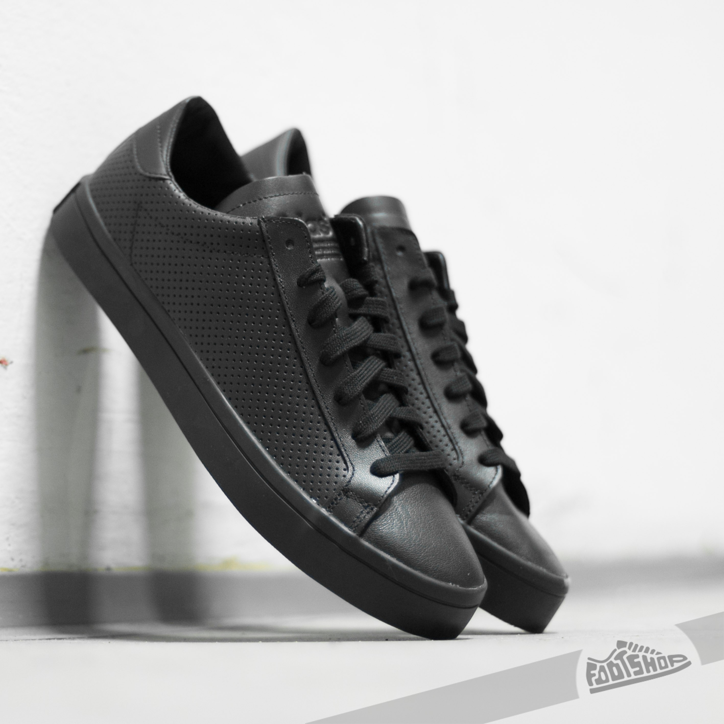 more photos adc52 565c0 adidas Court Vantage Core Black  FtwWhite  Core Black