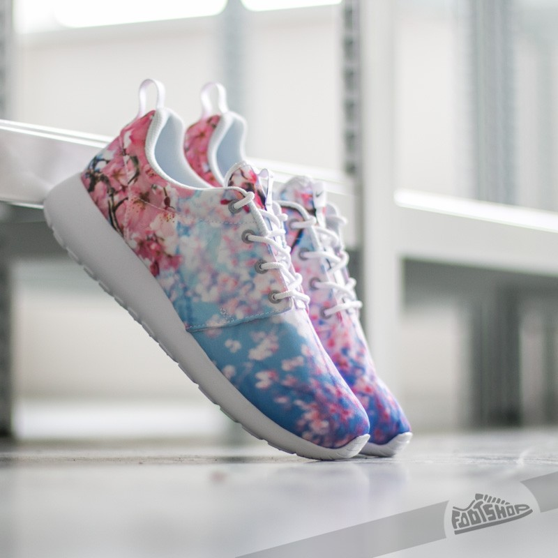 a9e773f9d819 Nike Wmns Roshe One Cherry Blossom White  Pure Platinum