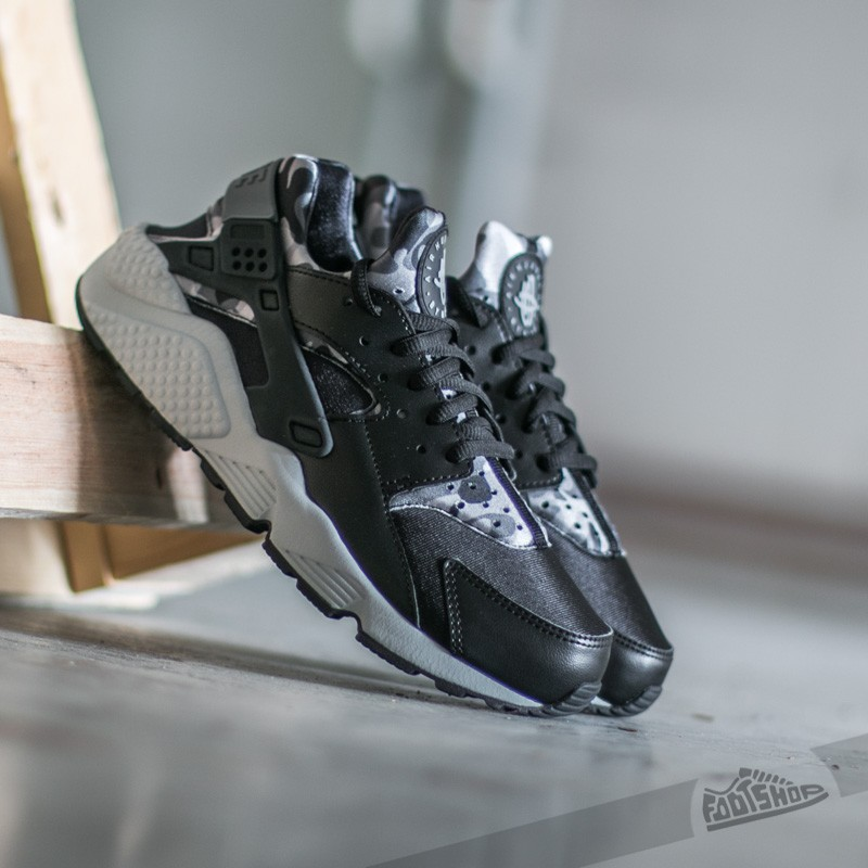 f79089815518 Nike Wmns Air Huarache Run Print Black  Cool Grey
