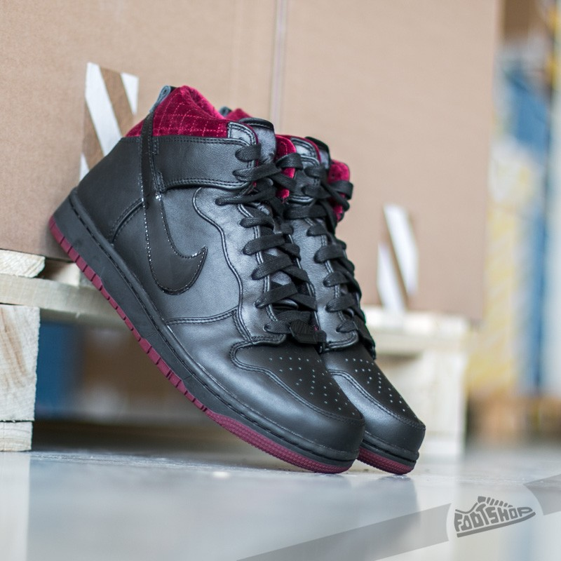 hot sale online c1744 c52a1 Nike Dunk Comfort Premium QS Black  Black- Team Red