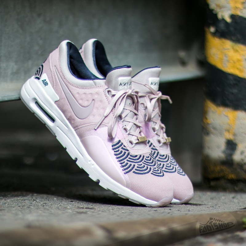 check out 6a11d 8548f Nike W Air Max Zero LOTC QS Champagne Champagne- Mid Navy