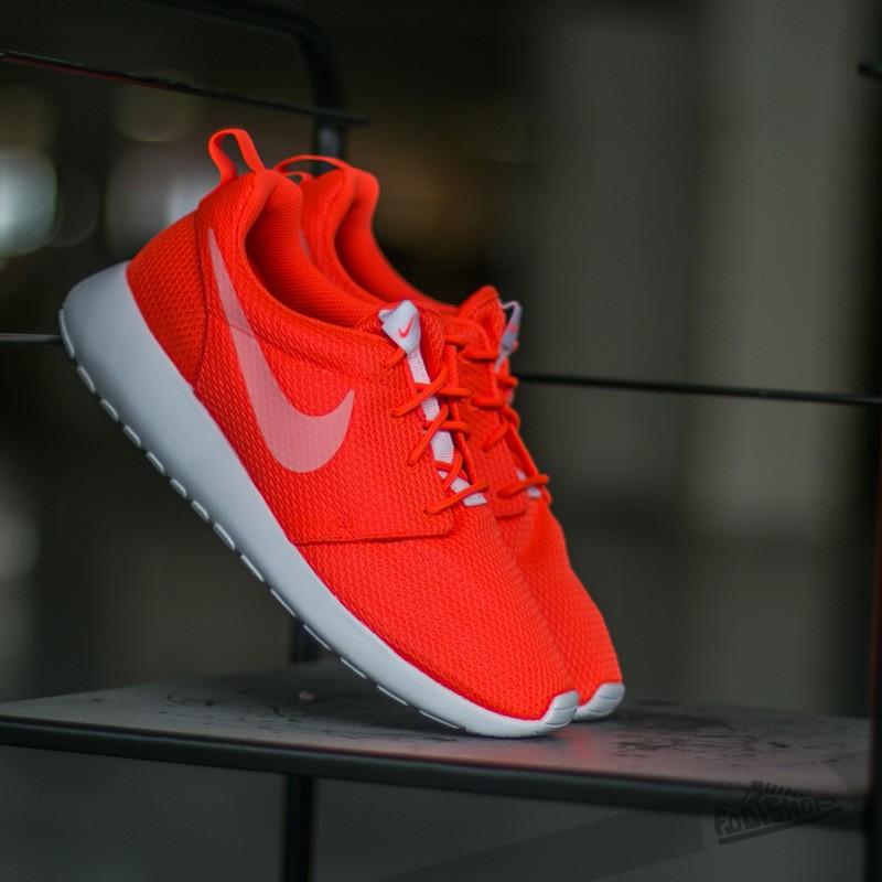 on sale ce1b9 05192 Nike Wmns Roshe One Total Crimson  White