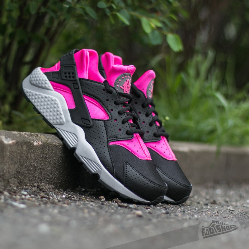 4ff7e40b2be3 Nike Wmns Air Huarache Run Black  Pink Blast-White