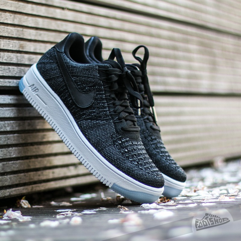 differently 06604 8d135 Nike W Air Force 1 Flyknit Low