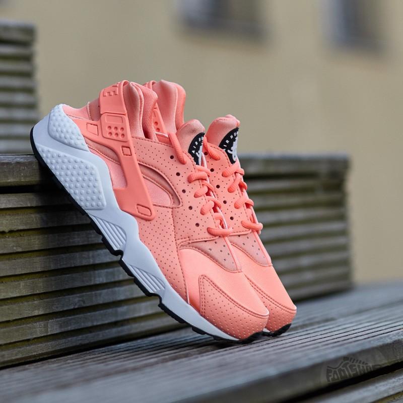 fe322fec906b Nike Wmns Air Huarache Run Atomic Pink  Atomic Pink