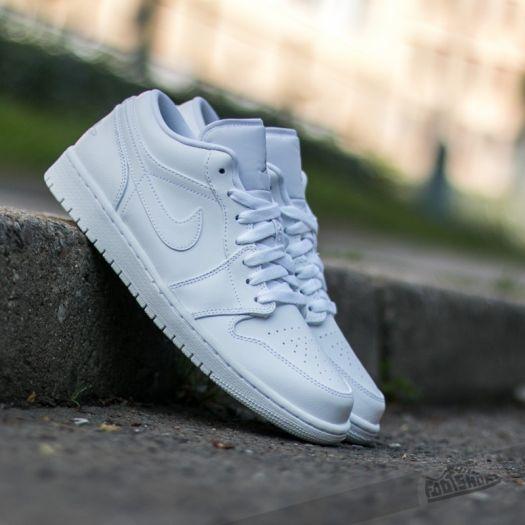 hot sale online 73a16 04616 Air Jordan 1 Low White/ White-Metallic Silver | Footshop