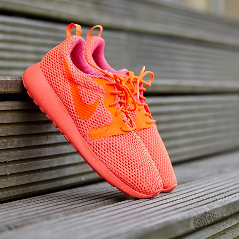 ccce698b88b9e Nike W Roshe One Hyper BR Total Crimson  Total Crimson-Pink Blast ...