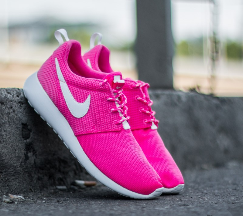 release date f1169 323e1 Nike Roshe One (GS) Pink Blast/ White | Footshop