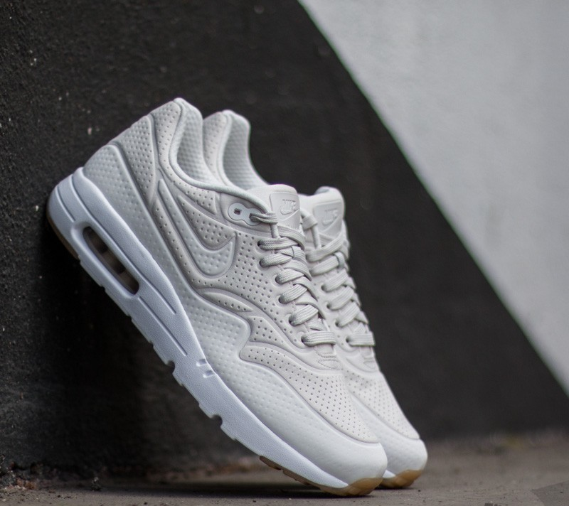 super popular 2e377 4e8eb Nike Air Max 1 Ultra Moire Phantom Phantom-White-Gum Yellow