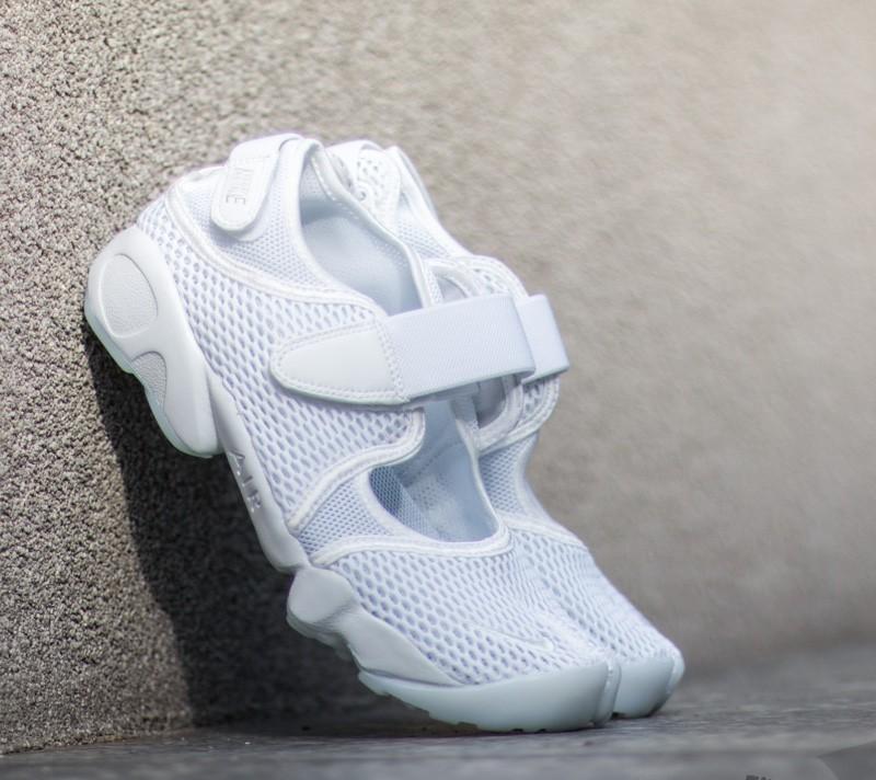 3b2c758e9080 Nike Wmns Air Rift Breathe White  Pure Platinum