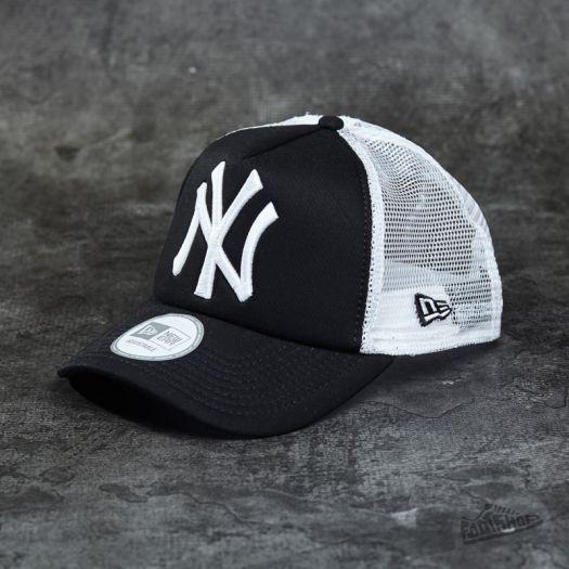 New Era Cap Clean Trucker New York Yankees Cap Black  White  e77bfefca9c