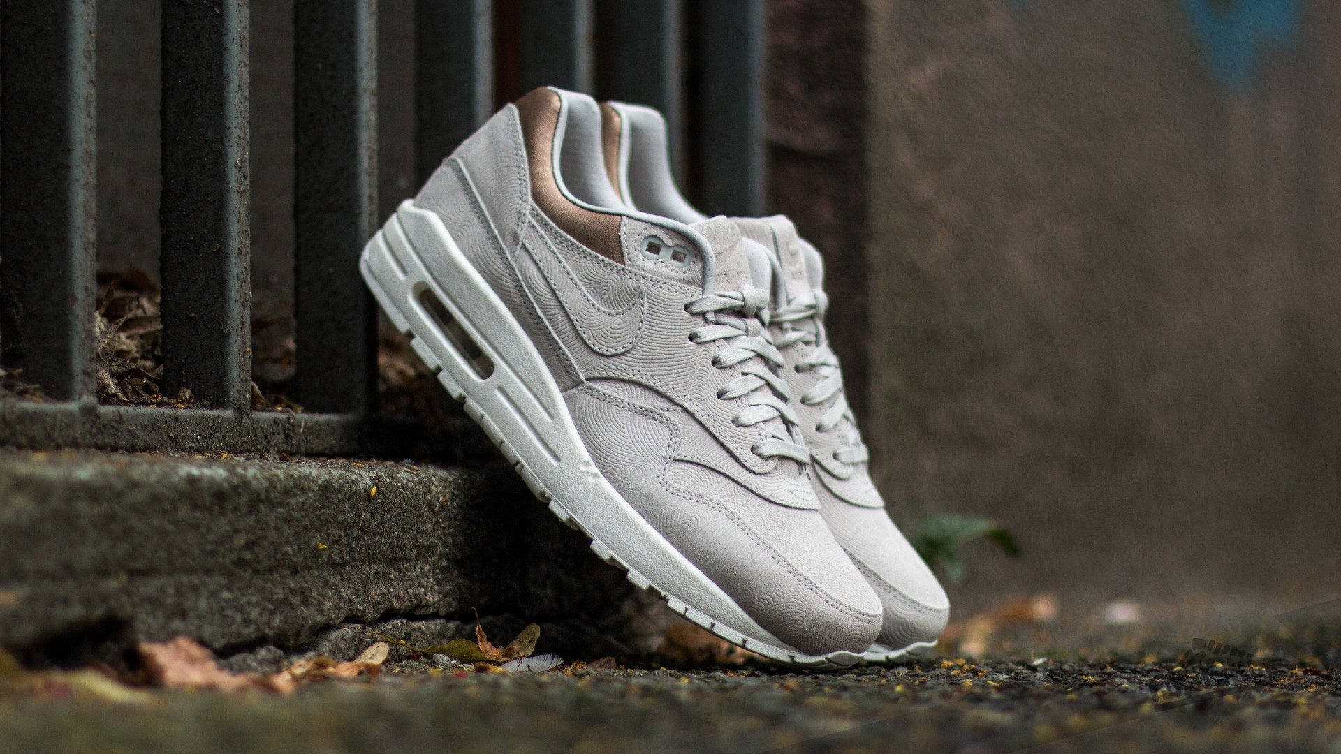 nike air max 1 premium gamma grey