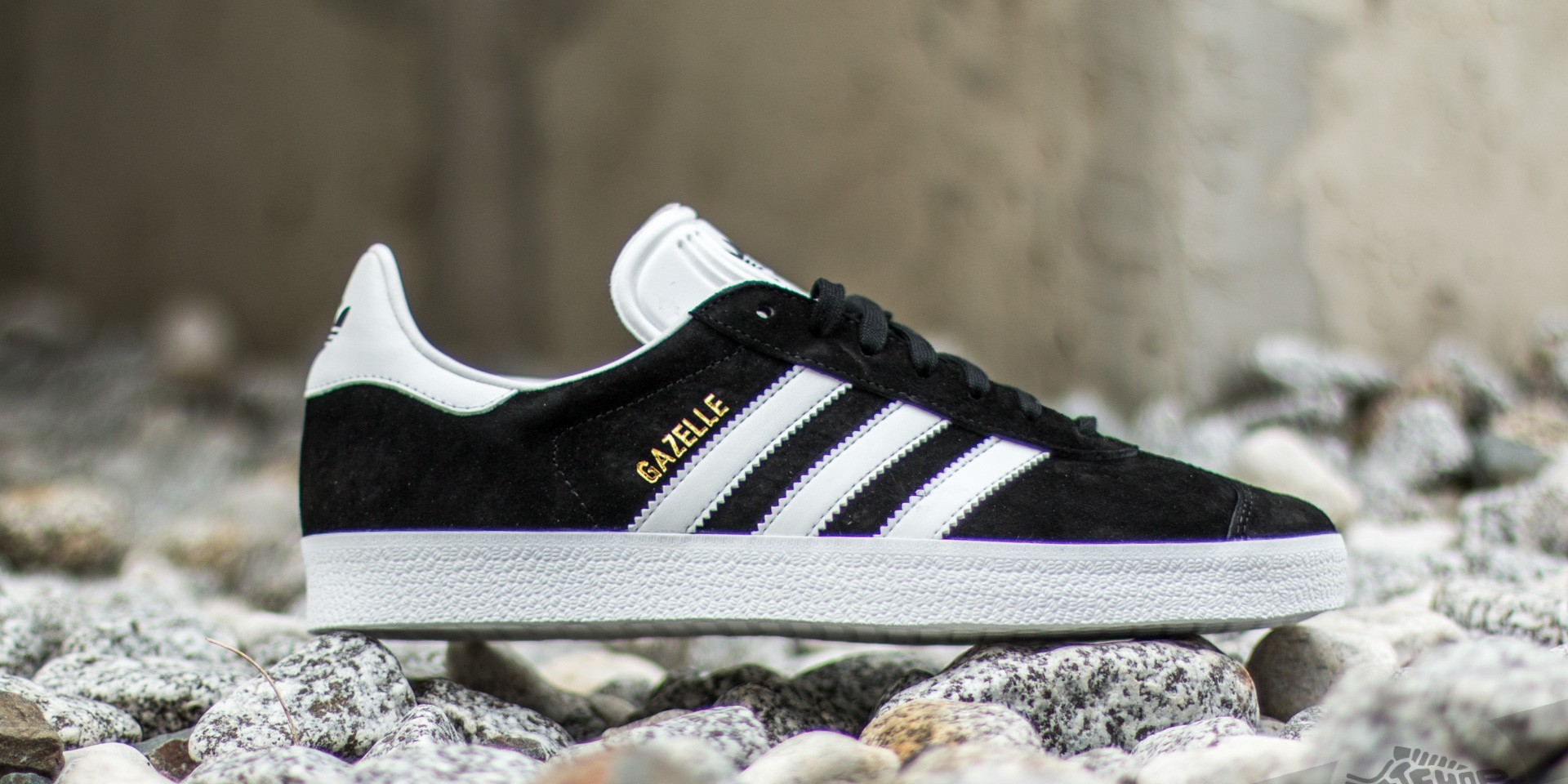 adidas Gazelle Core Black/ White/ Gold Metalic EUR 41 1/3