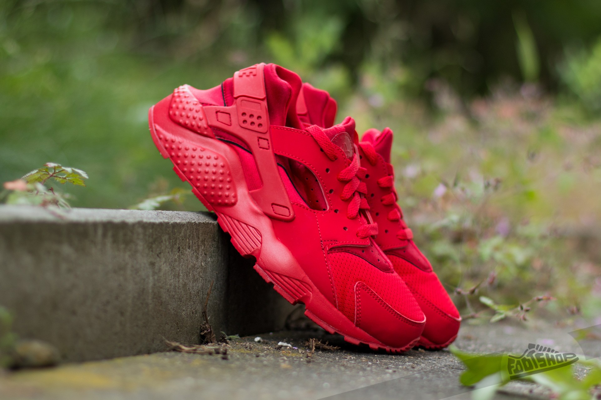 the best attitude e0d13 2db8c Nike Huarache Run (GS) University Red  University Red-University