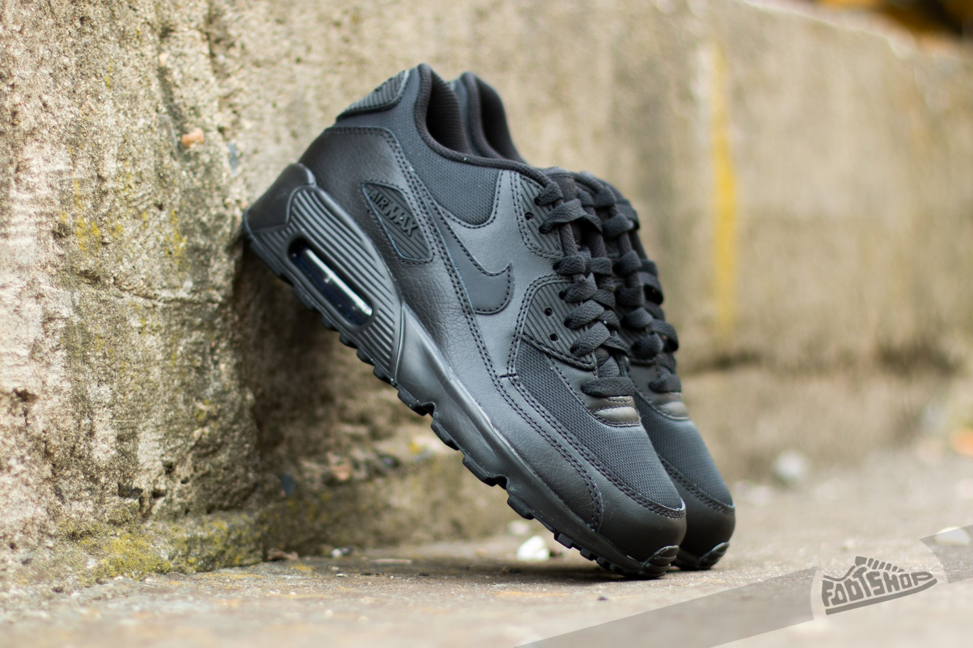 purchase cheap 4767d af788 Nike Air Max 90 Mesh (GS). Black  Black