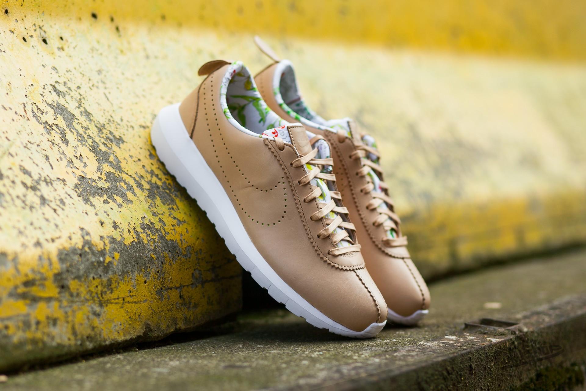 e4ff6b1bbd84 Nike W Roshe Cortez NM Liberty QS Vachetta Tan  Vachetta Tan - Vlt White