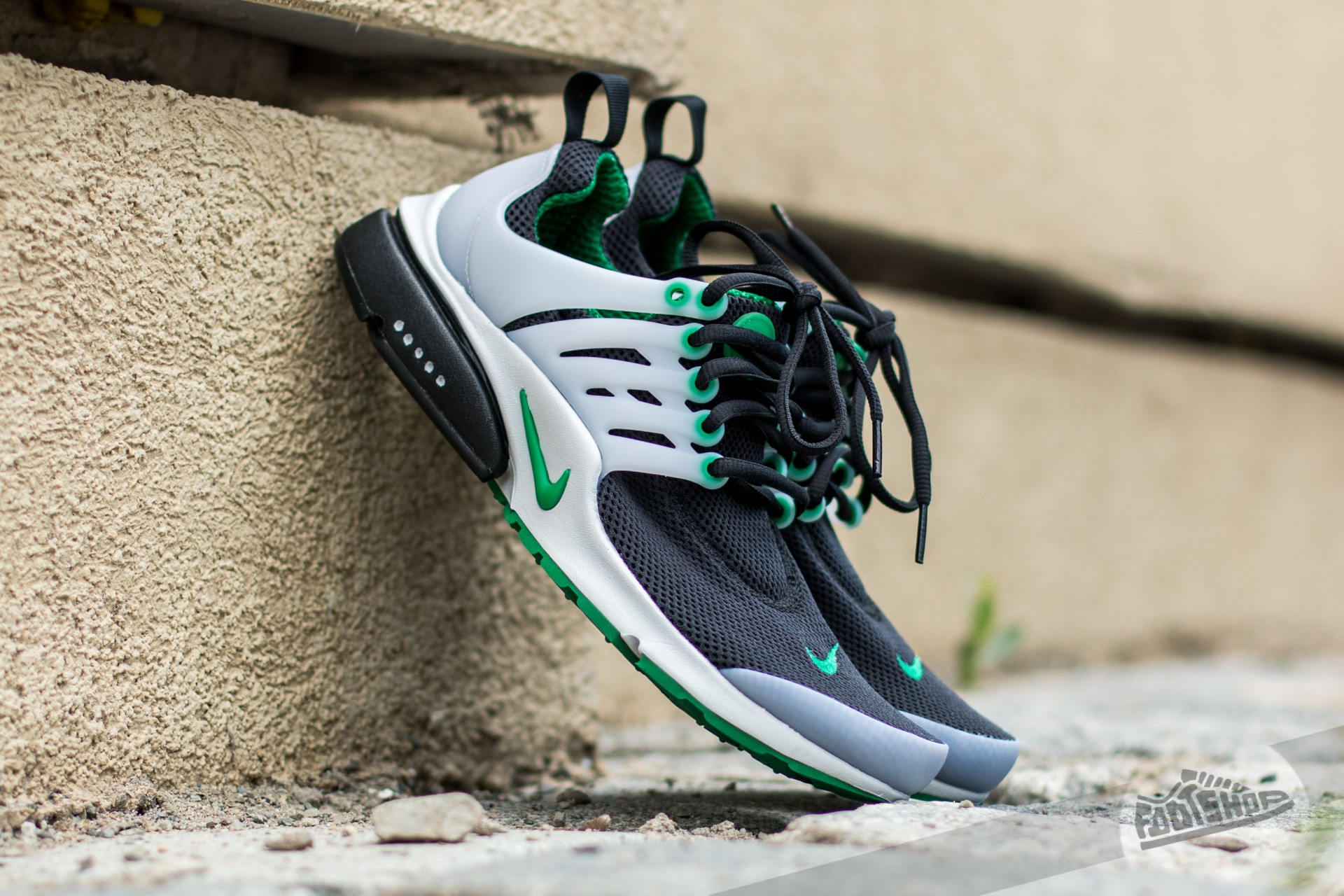 f9e0db82a790 Nike Air Presto Essential Black  Pine Green-Neutral Grey