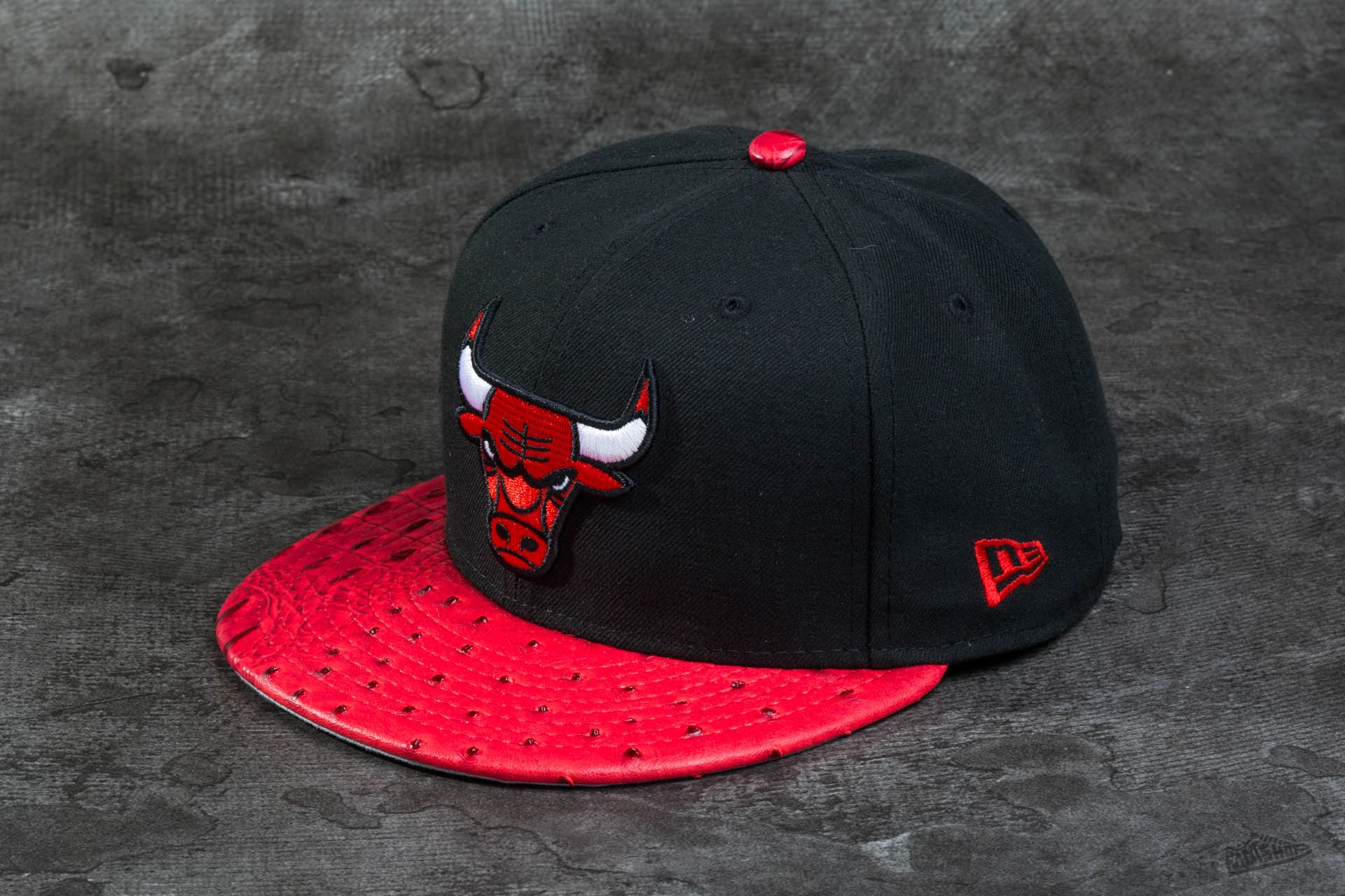 New Era 59FIFTY Reptile Mix Chicago Bulls Black Red  5ece83d1da4