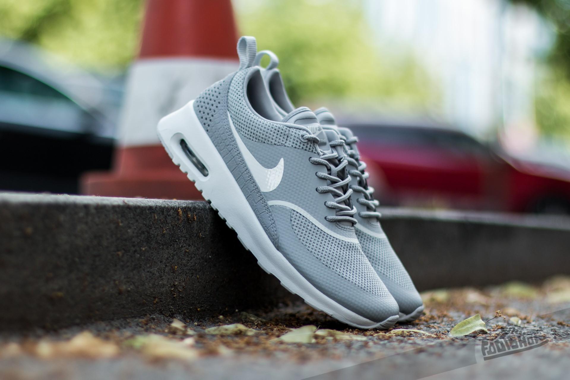 aburrido fingir Geología  Women's shoes Nike Wmns Air Max Thea Matte Silver/ Summit White | Footshop