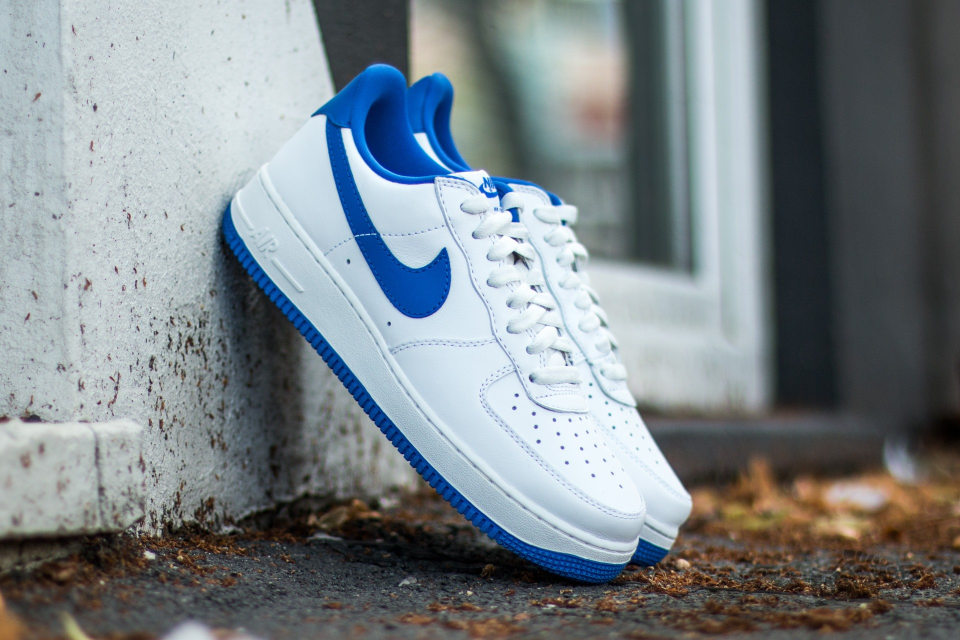 low priced dc372 1ab9a Nike Air Force 1 Low Retro Summit White  Game Royal