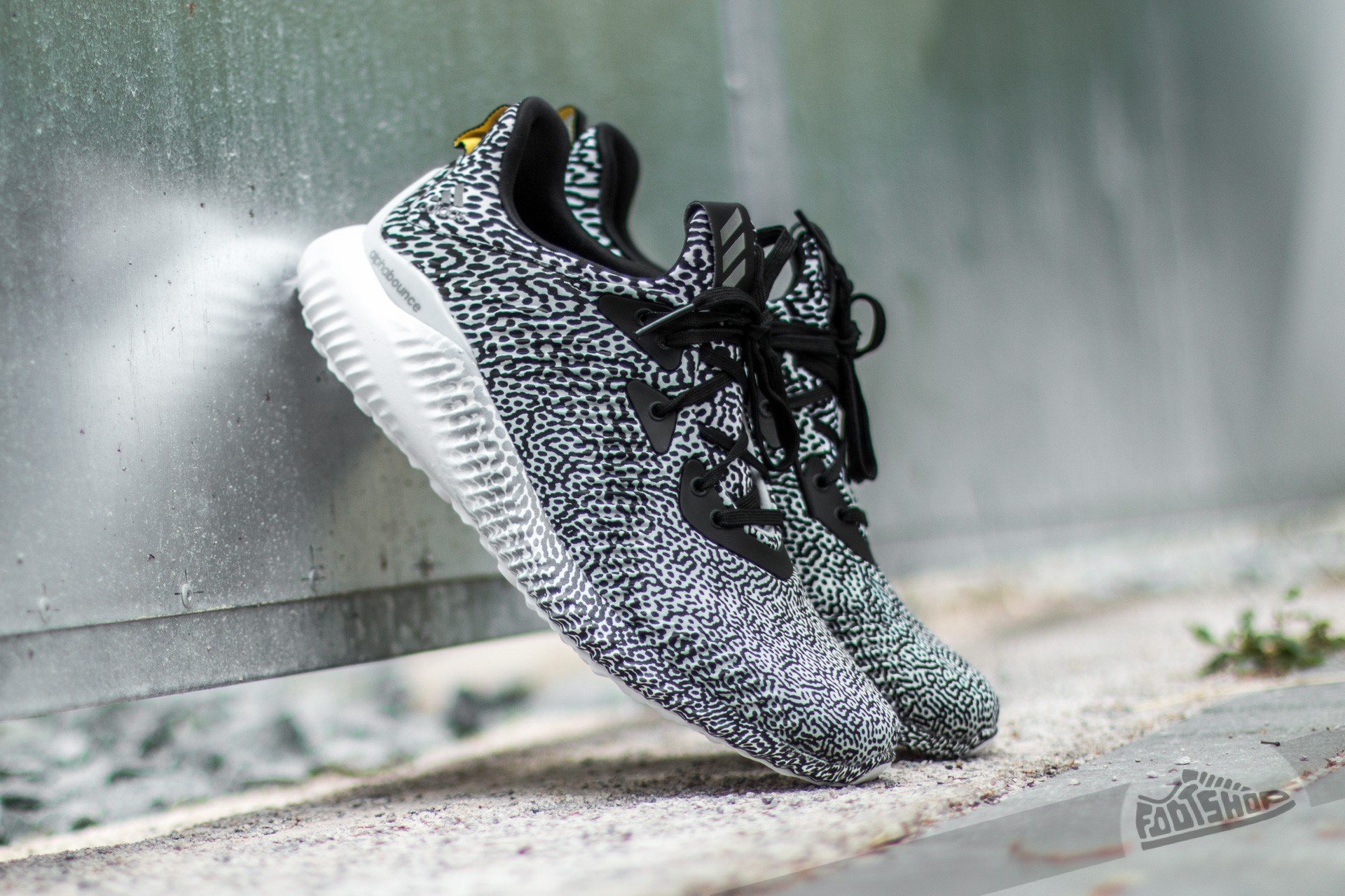 save off 8b74a b3e8b adidas Alphabounce W Aramis Core Black  Ftwr-White  Clear Grey