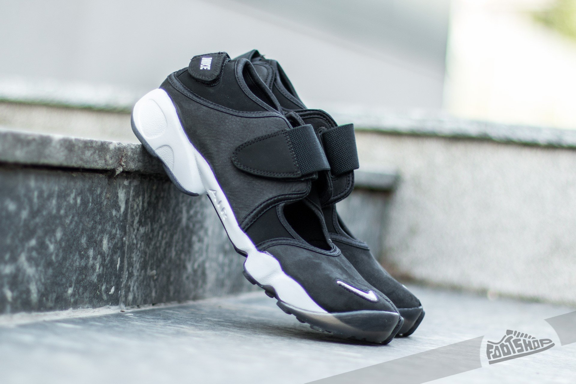 huge selection of 1c584 dc10e Nike Air Rift Anniversary QS Black  Metalic Silver-White