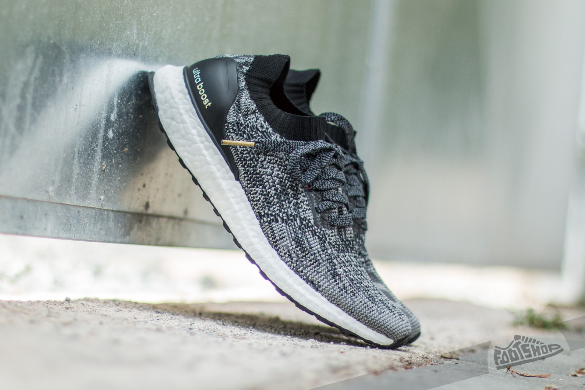 e280fa3b6f6bd adidas Ultra Boost Uncaged M Core Black  Ch Solid Grey  Gold Metallic