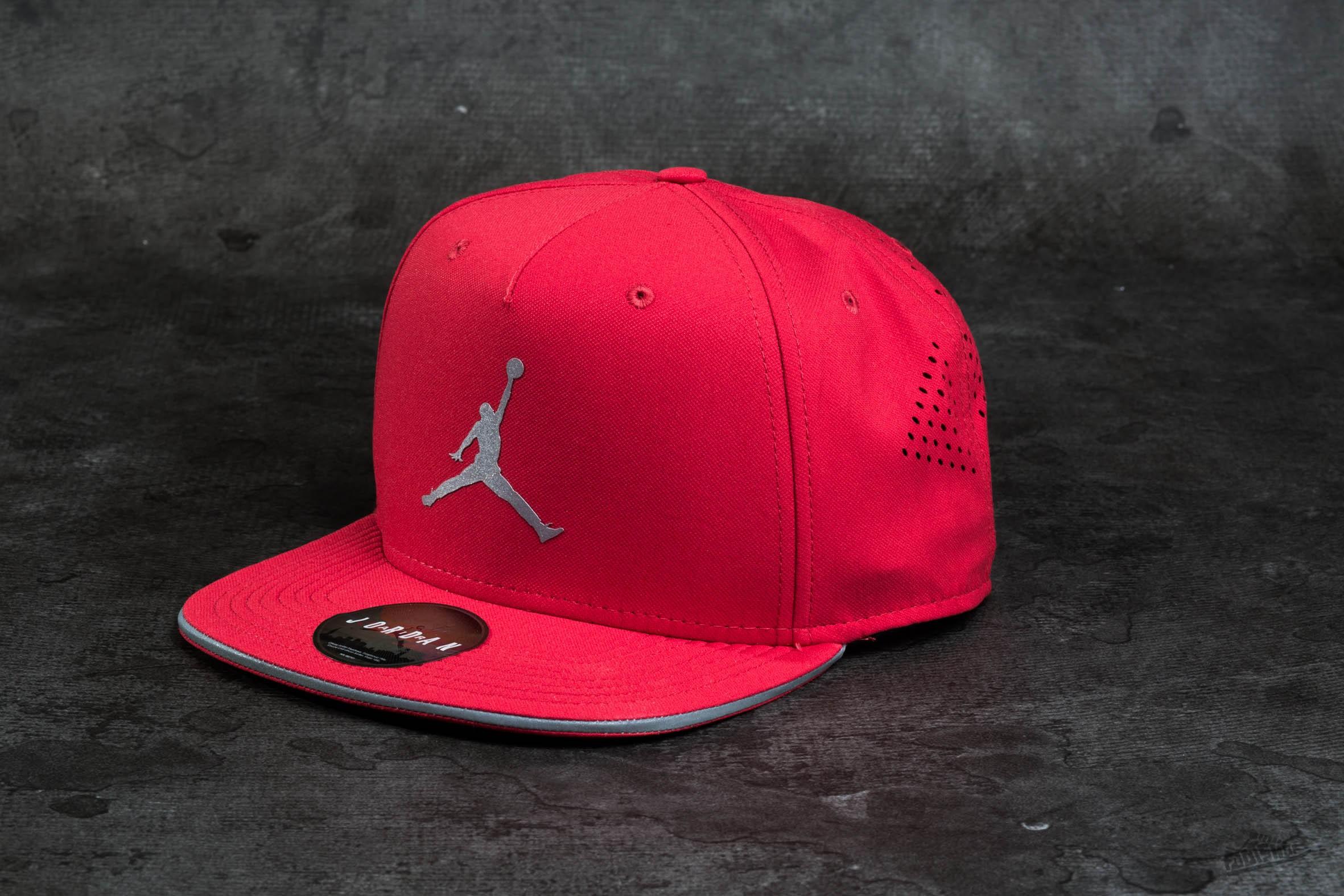 2216f8f2ad0 Jordan Jumpman Perforated Snapbacks Red