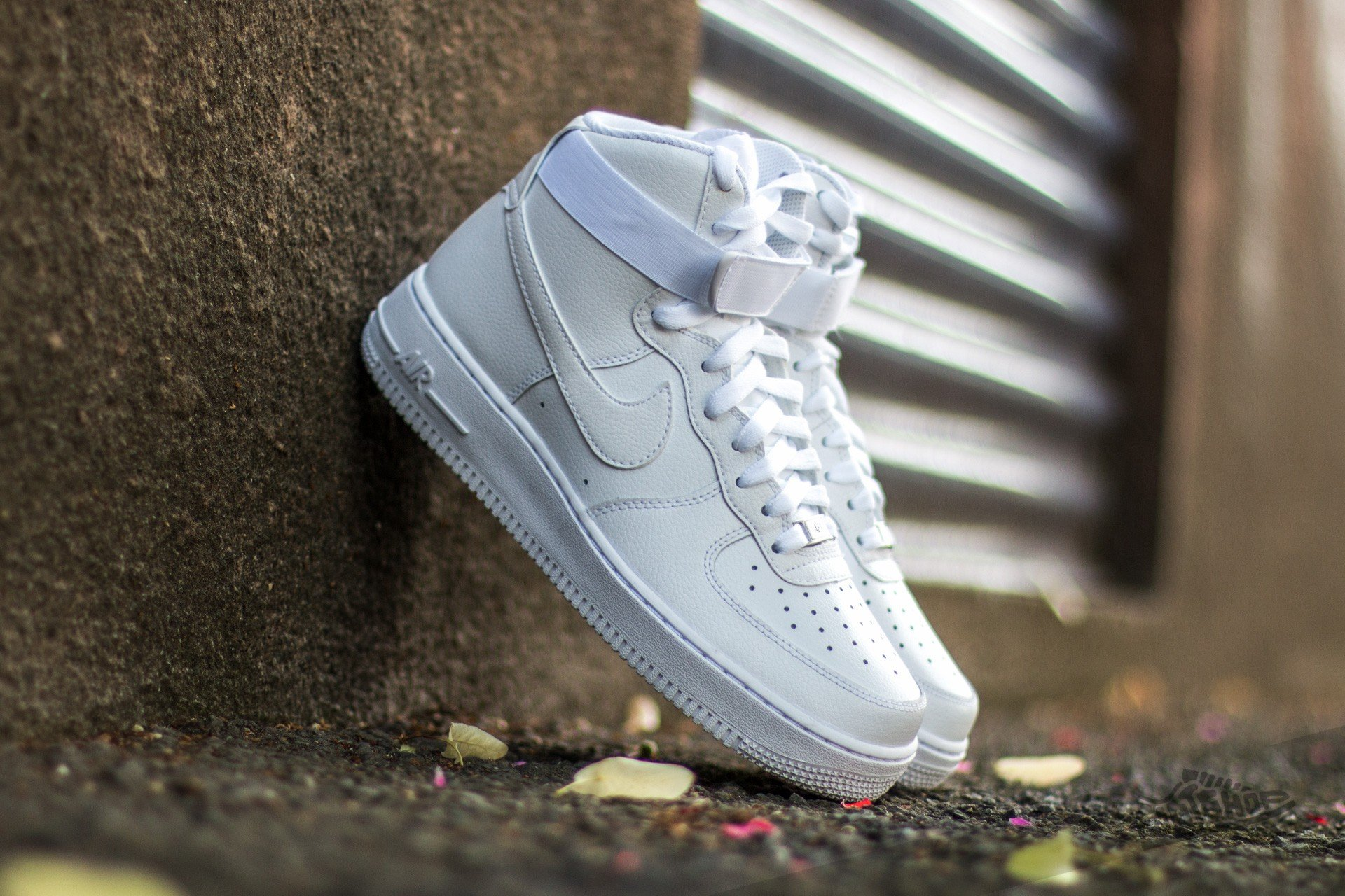 Nike Air Force 1 High  07 White  White at a great price 128 € 42402d7e6
