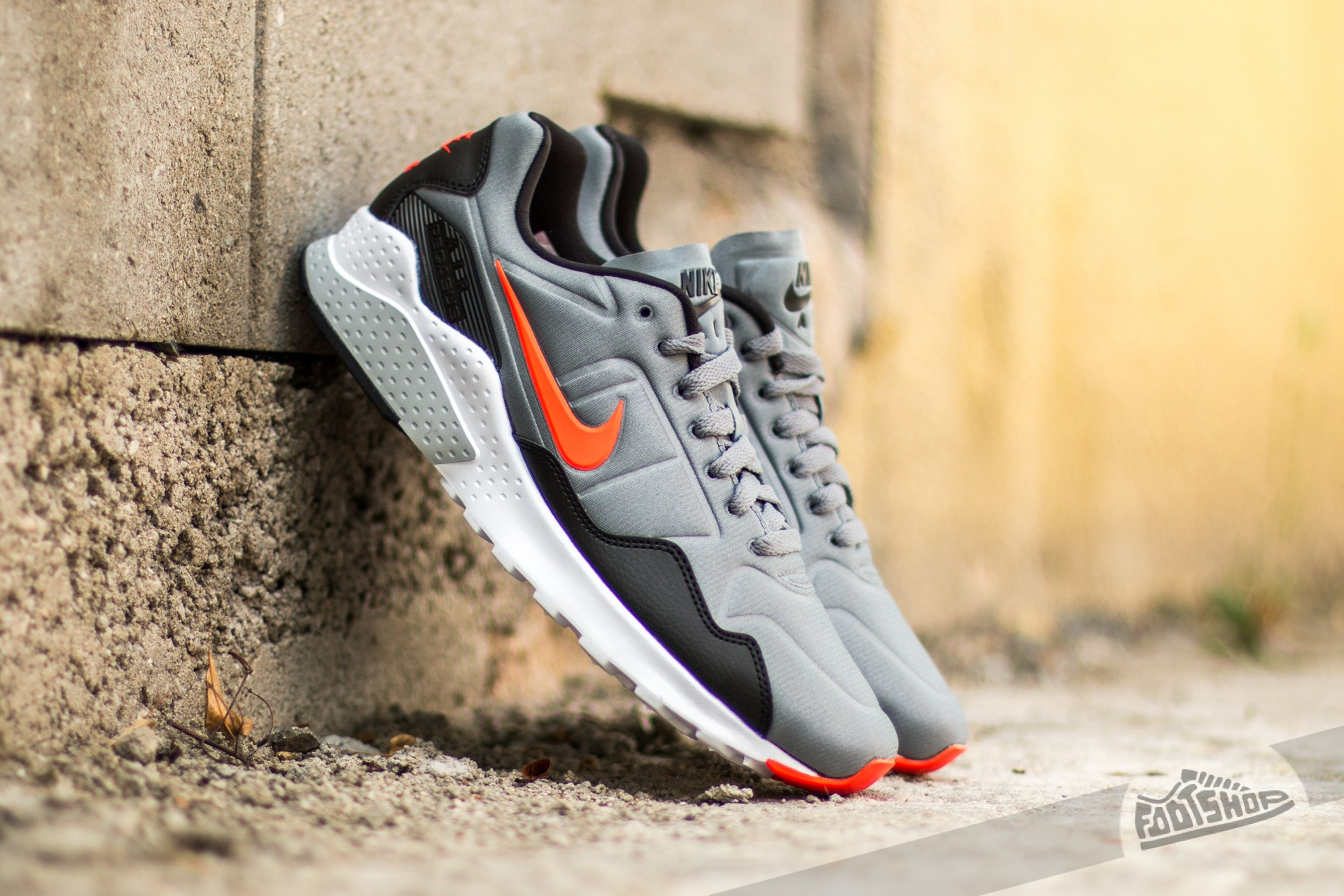 wholesale dealer 9bbc5 7e5b9 Nike Air Zoom Pegasus 92 Cool Grey  Bright Crimson- Black