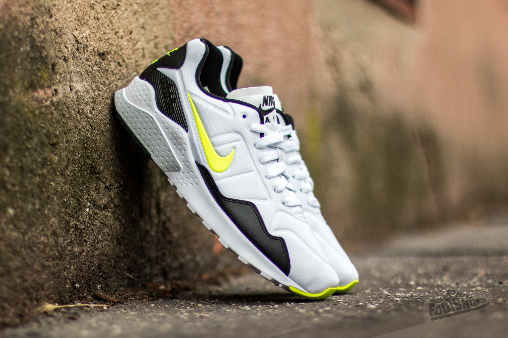 newest 84517 cc94e Nike Air Zoom Pegasus 92 White  Volt-Black