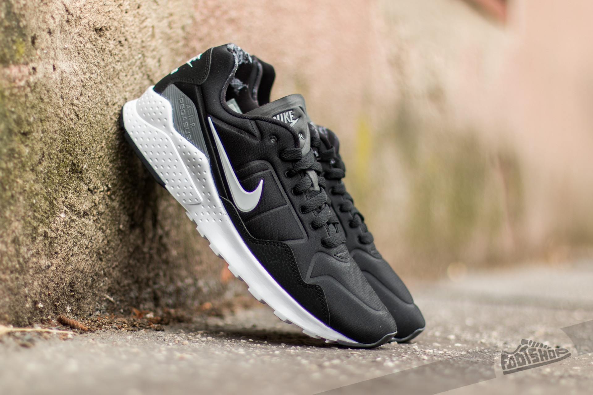 chaussures de séparation b0048 dc751 Nike Air Zoom Pegasus 92 Black/ White-Dark Grey | Footshop