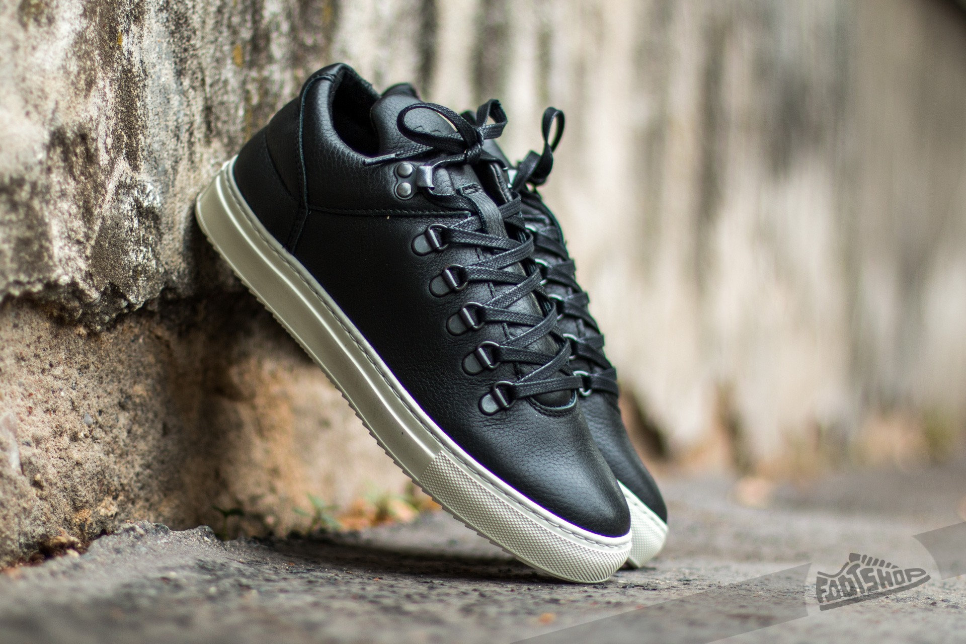 Filling Pieces Mountain Cut Kobe Black