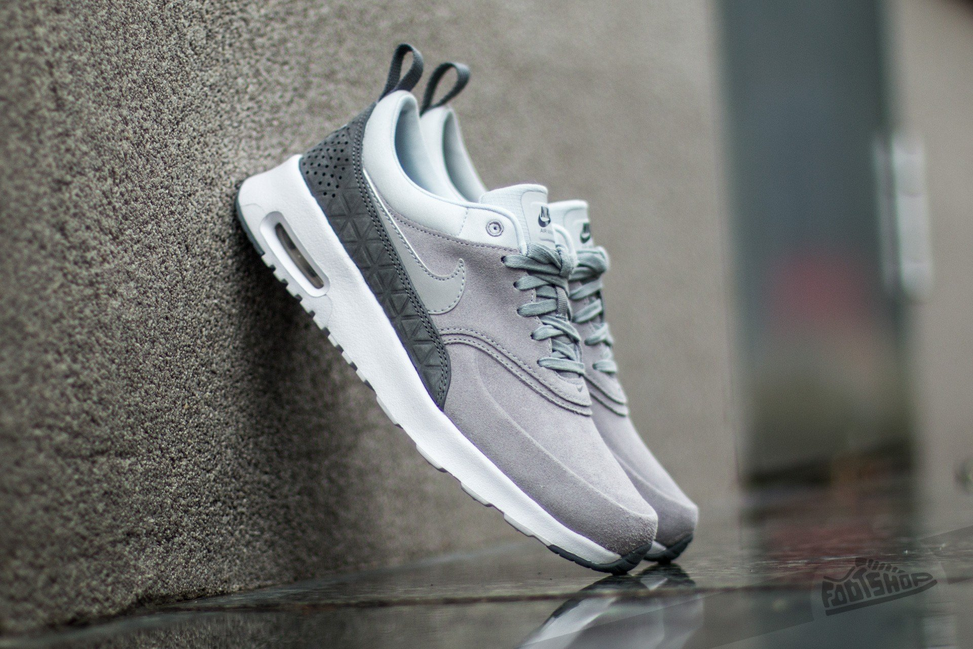 los angeles 21196 04675 Nike W Air Max Thea Premium Leather. Matte Silver  Matte Silver-Pure  Platinum