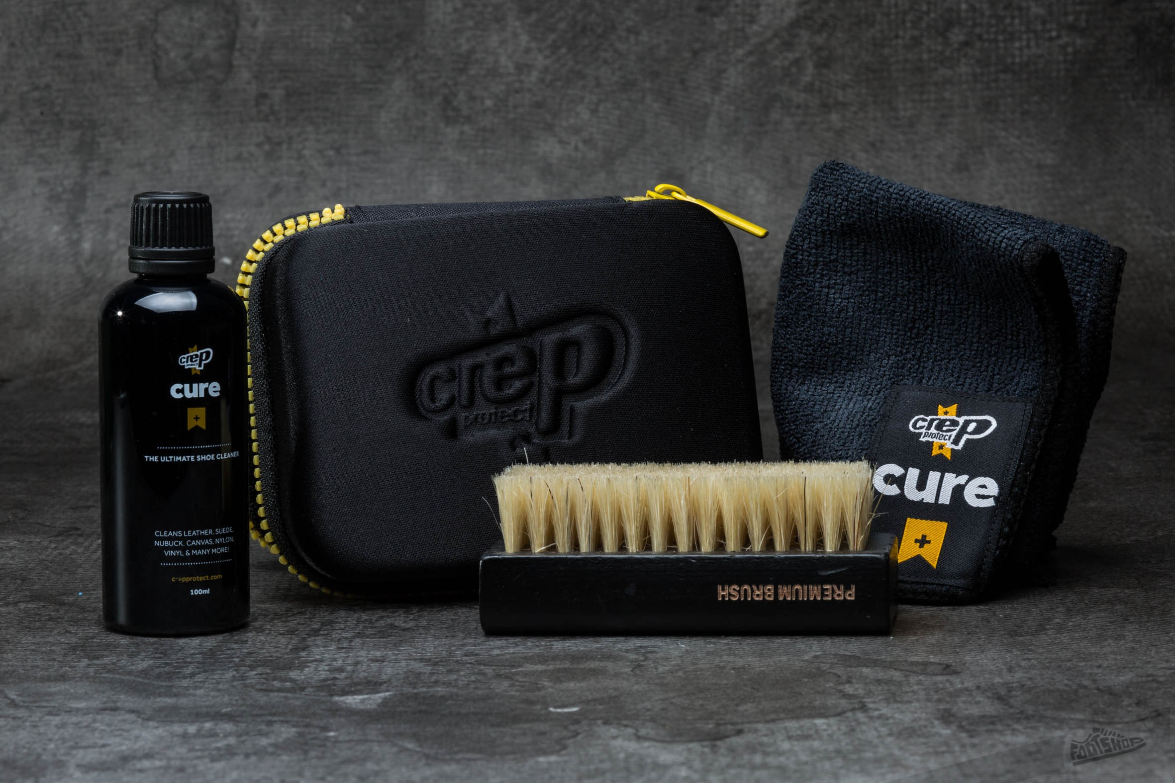 Crep Protect The Ultimate Shoe Cleaner Kit la un preț excelent 85 Lei cumpără la Footshop